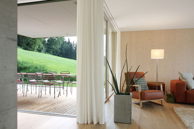 Einfamilienhaus_Neubau_wohnzimmer-Thurblick_Niederbueren-terrasse.jpg