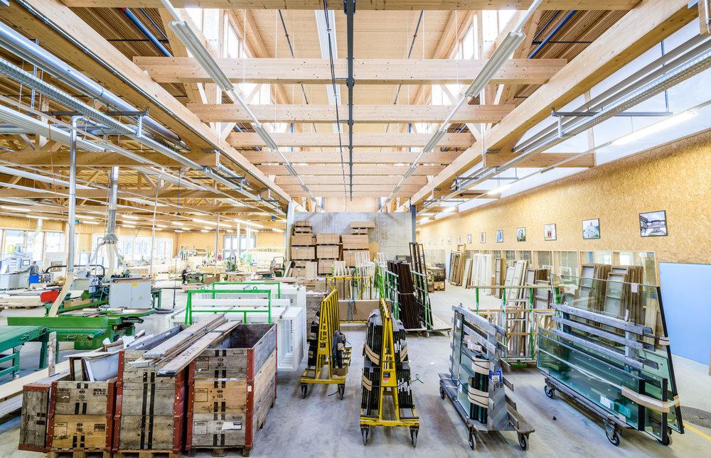 Neubau-Fenstermanufaktur-Holzelementbau-goldach-vogel-halle.jpg