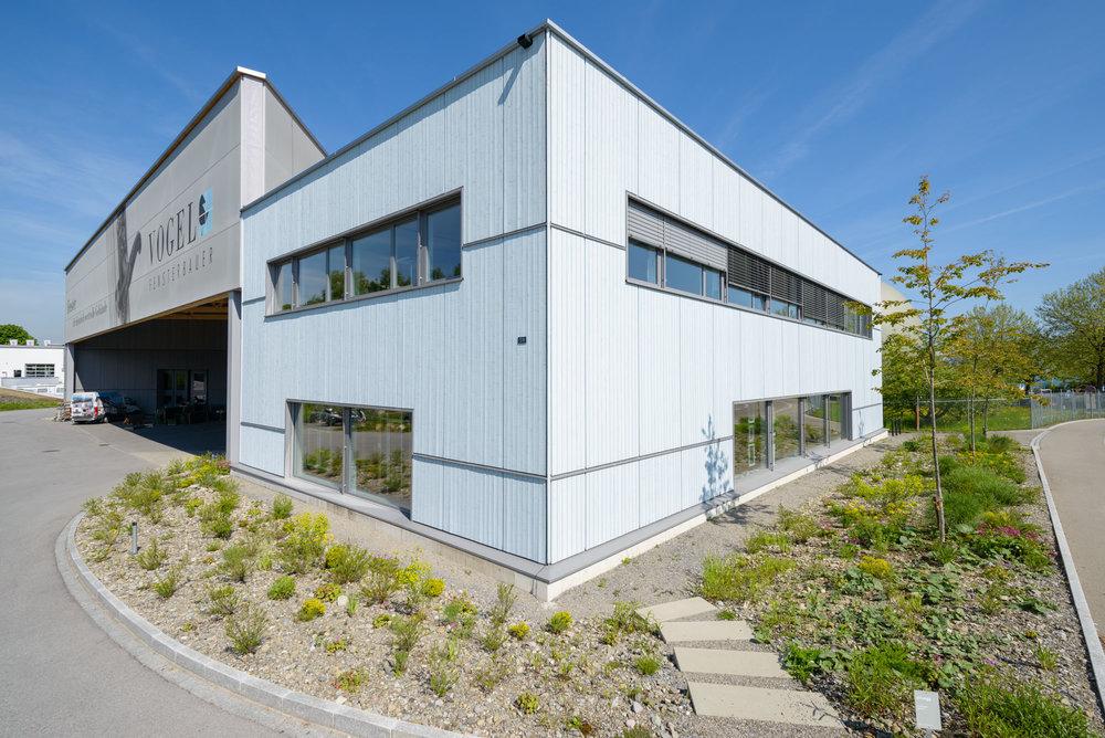 Neubau-Fenstermanufaktur-Holzelementbau-goldach-vogel-aussenfassade.jpg