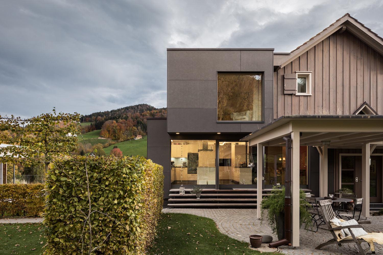 Kernsanierung-Anbau-Einfamilienhaus-Lichtensteig-terrasse.jpg