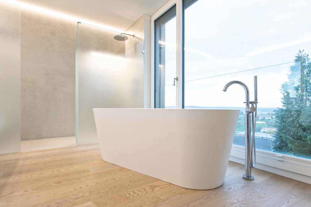 Neubau-Mehrfamilienhaus-Tuebach_Neubrunnstrasse-badewanne.jpg