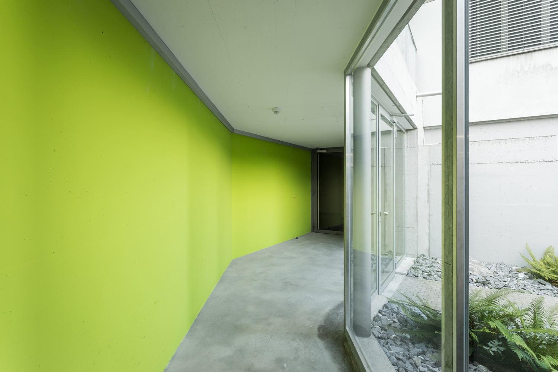 Mehrfamilienhaus-Neubau_Tiefgarage_Moosstrasse-eingang-st-gallen_eingang-glas.jpg