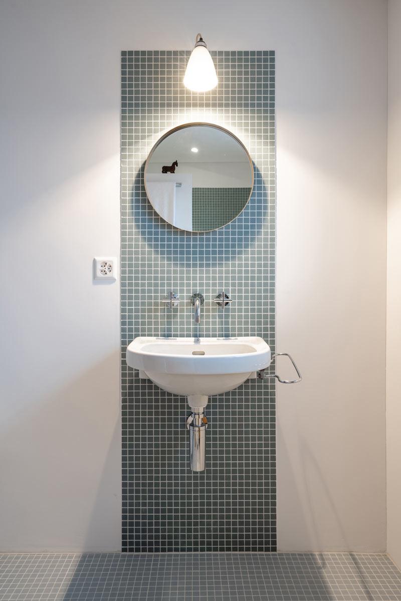 Einfamilienhaus-umbau-anbau-friedenweg-bischofszell-lavabo-mosaik.jpg