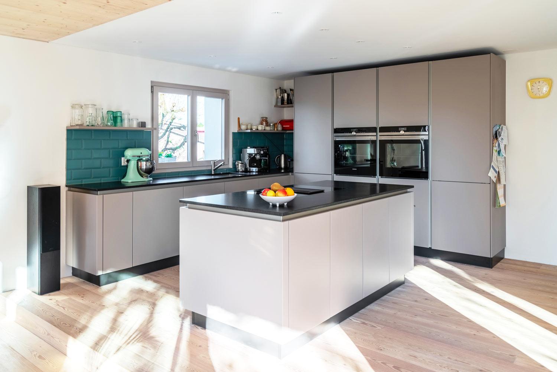 Einfamilienhaus-umbau-anbau-friedenweg-bischofszell-wohnkueche.jpg