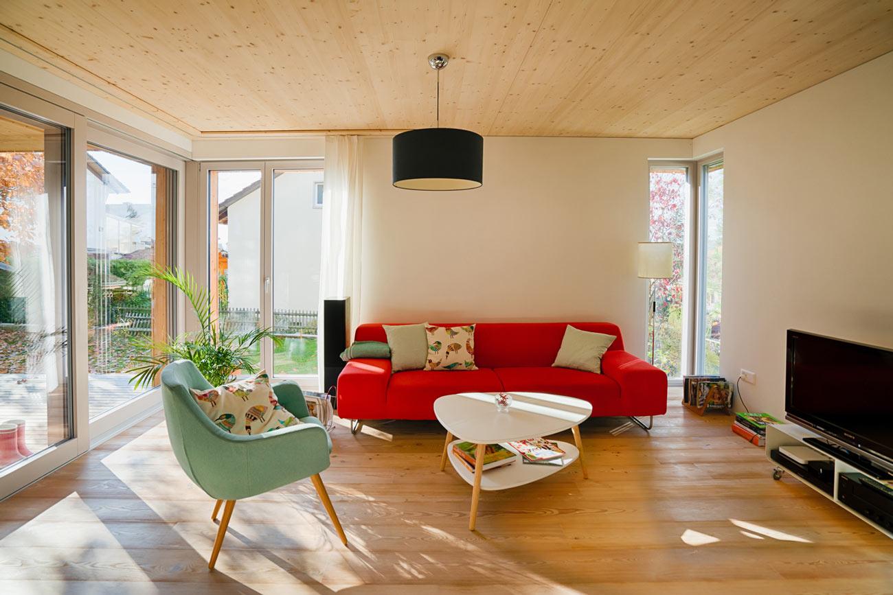 Einfamilienhaus-umbau-anbau-friedenweg-bischofszell-wohnzimmer-stube-sessel.jpg