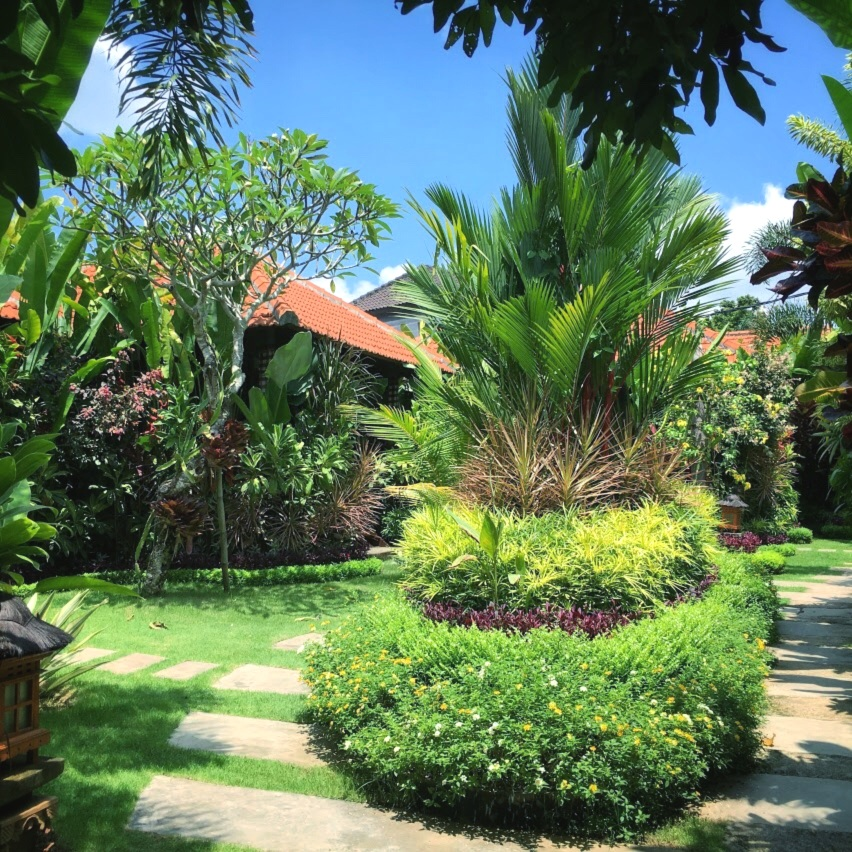 The beautiful garden of Saka Village