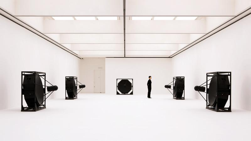matrix [5ch version], sound installation, 2009 © Ryoji Ikeda, photo by Ryuichi Maruo