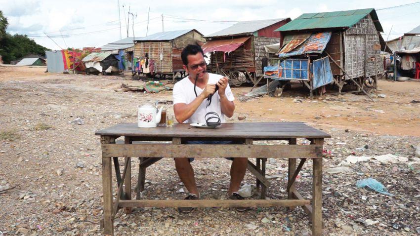 Svay Sareth, I, Svay Sareth, eat rubber sandals, 2015