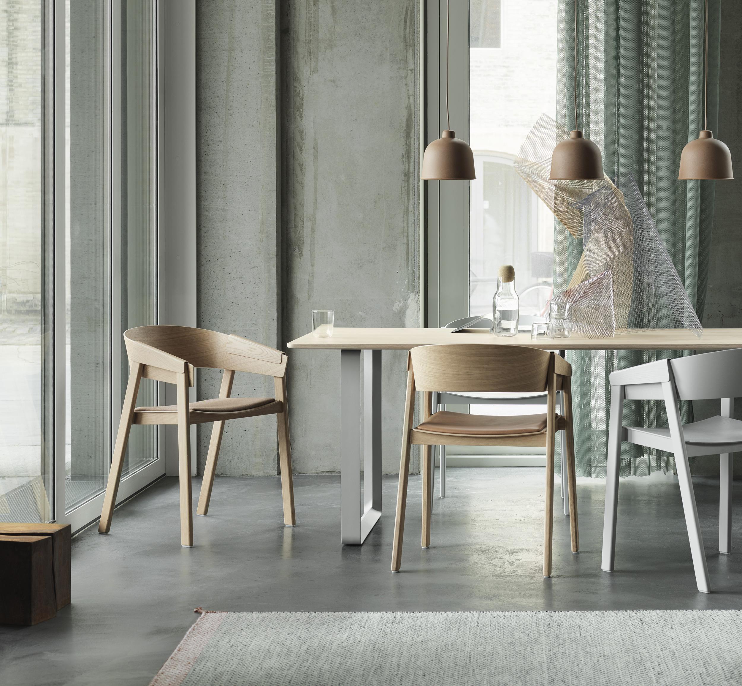 Cover-chair-7070-table-grain-pendant-lamp-corky.jpg