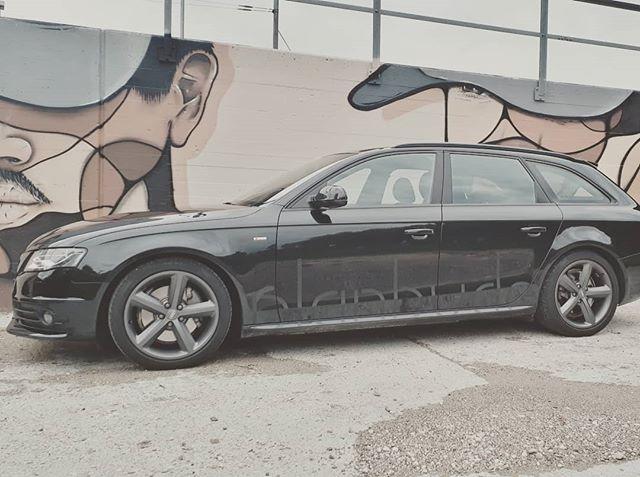 Wer sieht unser dezentes Logo an unserem Fahrzeug? #_planbude_  #architektur #planung #visualisierung #3ddruck