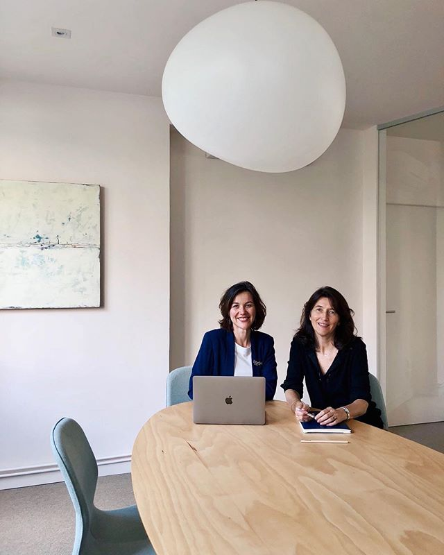 We can't get enough of our lovely, badass, empathic, dynamic co.workers. Managerial Coaches Céline and Valérie hanging out in the meeting room😍