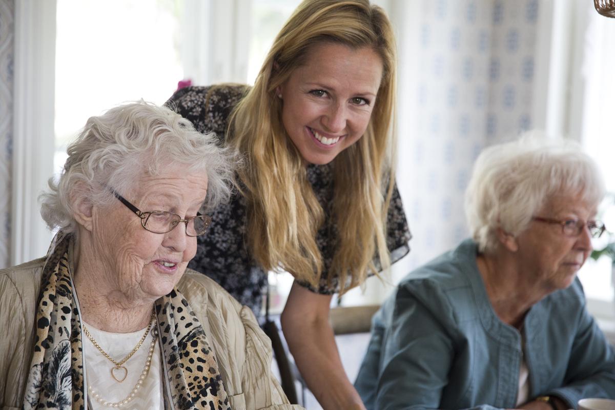 Gruppledare - Som gruppledare koordinerar du en lokal grupp med äldre gäster och volontärer och ser till att fikaträffarna sker som planerat varje månad. Åtagandet tar cirka åtta timmar per månad i anspråk.Läs merAnmälan
