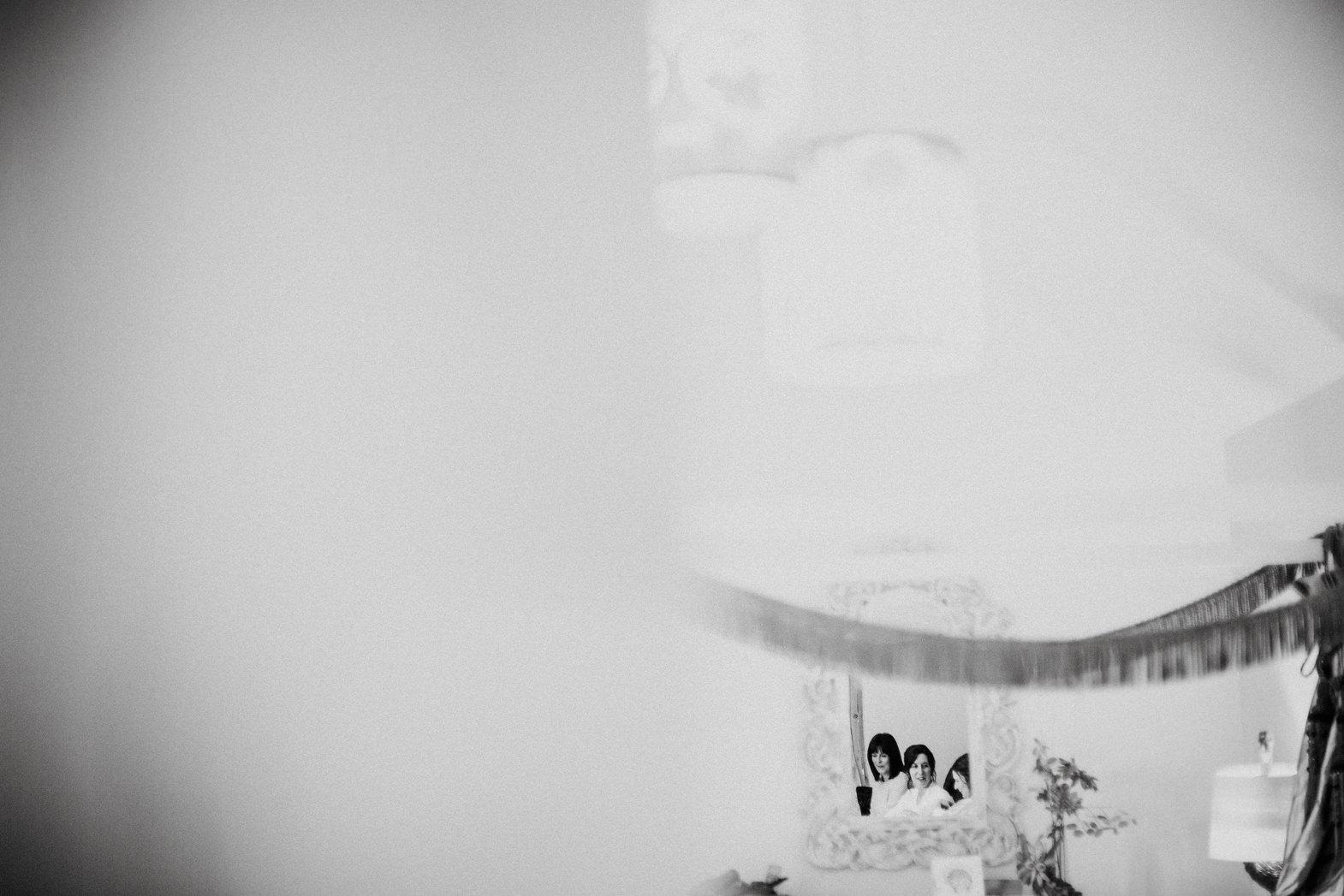 WEDDING PHOTOGRAPHy AT LOWER BARN (20).jpg