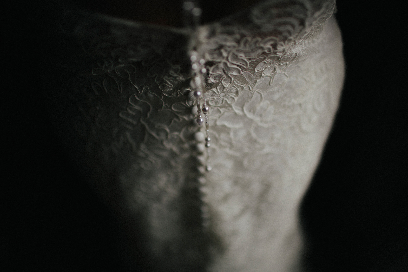 WEDDING PHOTOGRAPHy AT LOWER BARN (61).jpg
