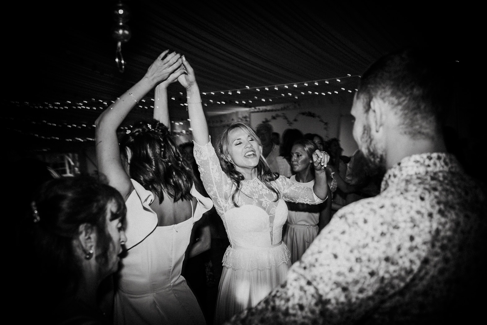 WEDDING PHOTOGRAPHY AT CORNISH TIPIS (173).jpg
