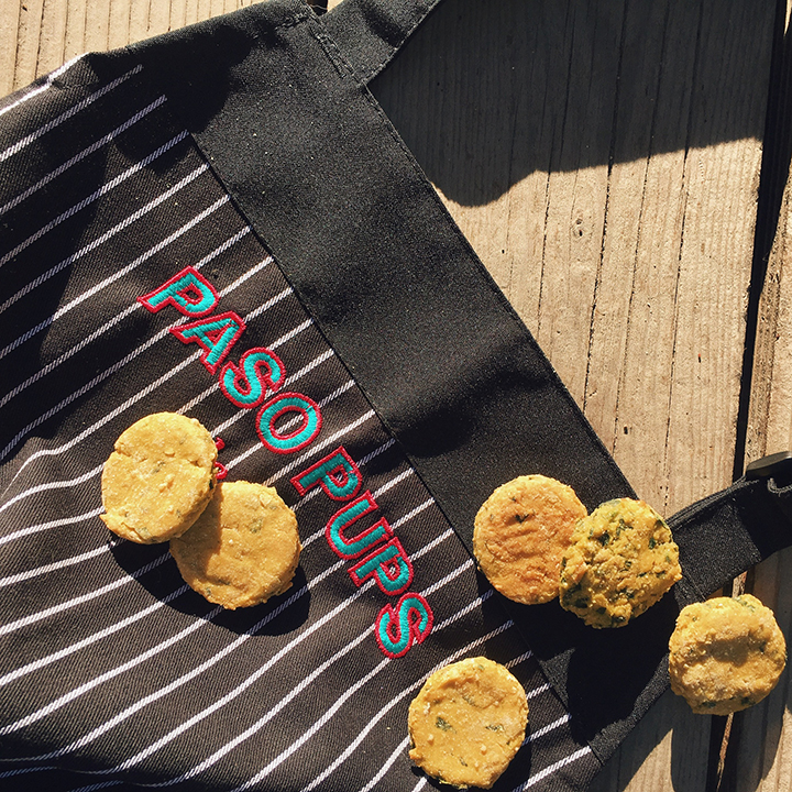 paso-pups-dog-treats-apron