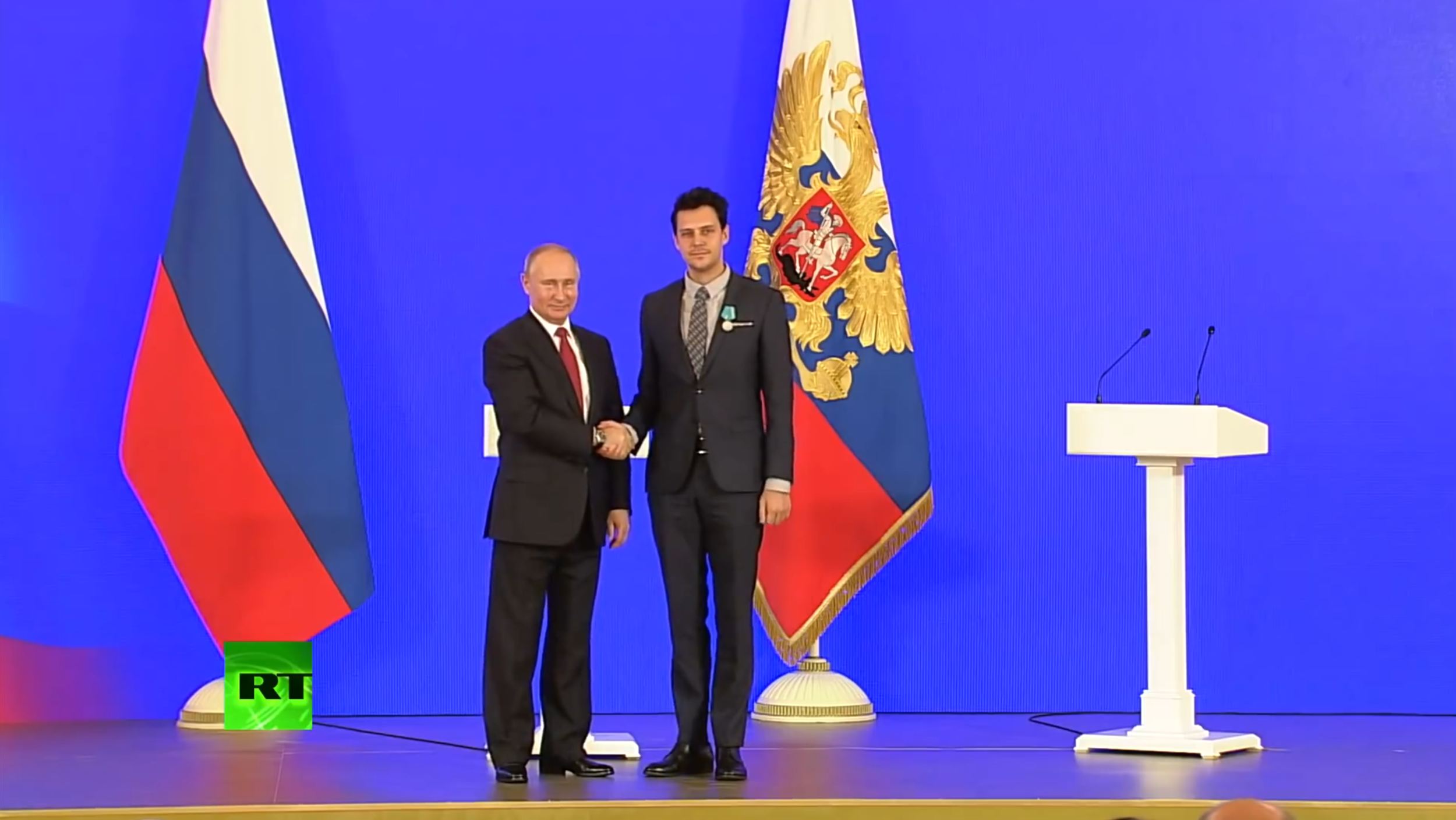 Milos being award the Medal of Pushkin in Moscow.