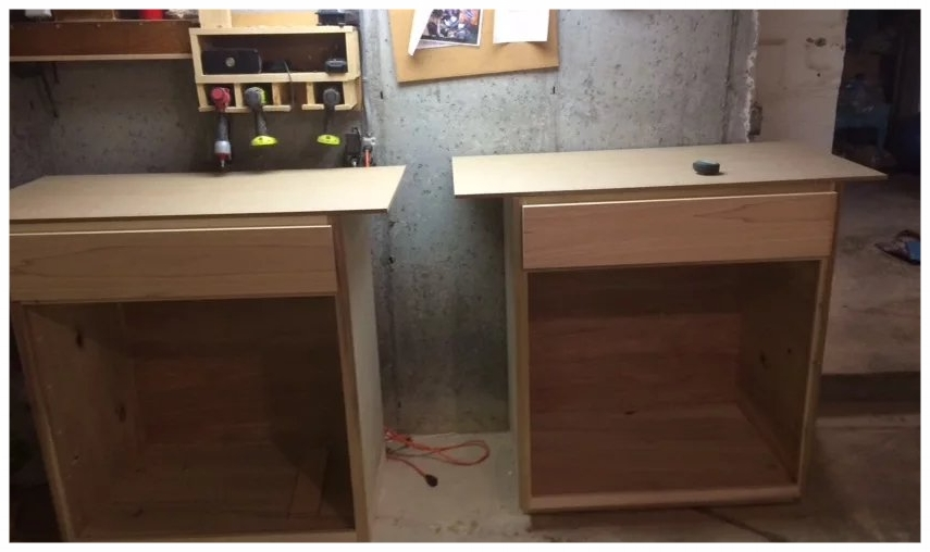 Attaching the cabinet tops