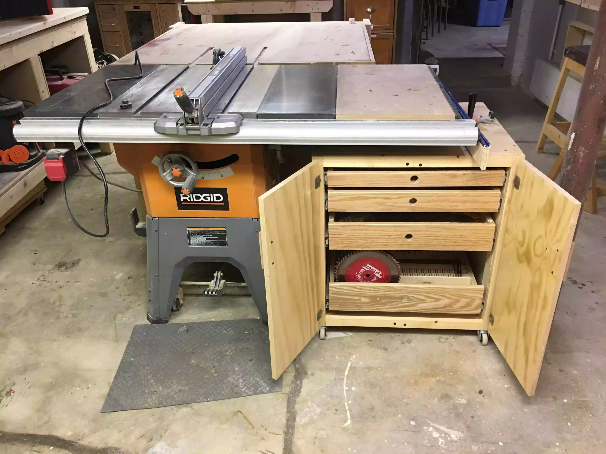 Accesories Cart for my Tablesaw