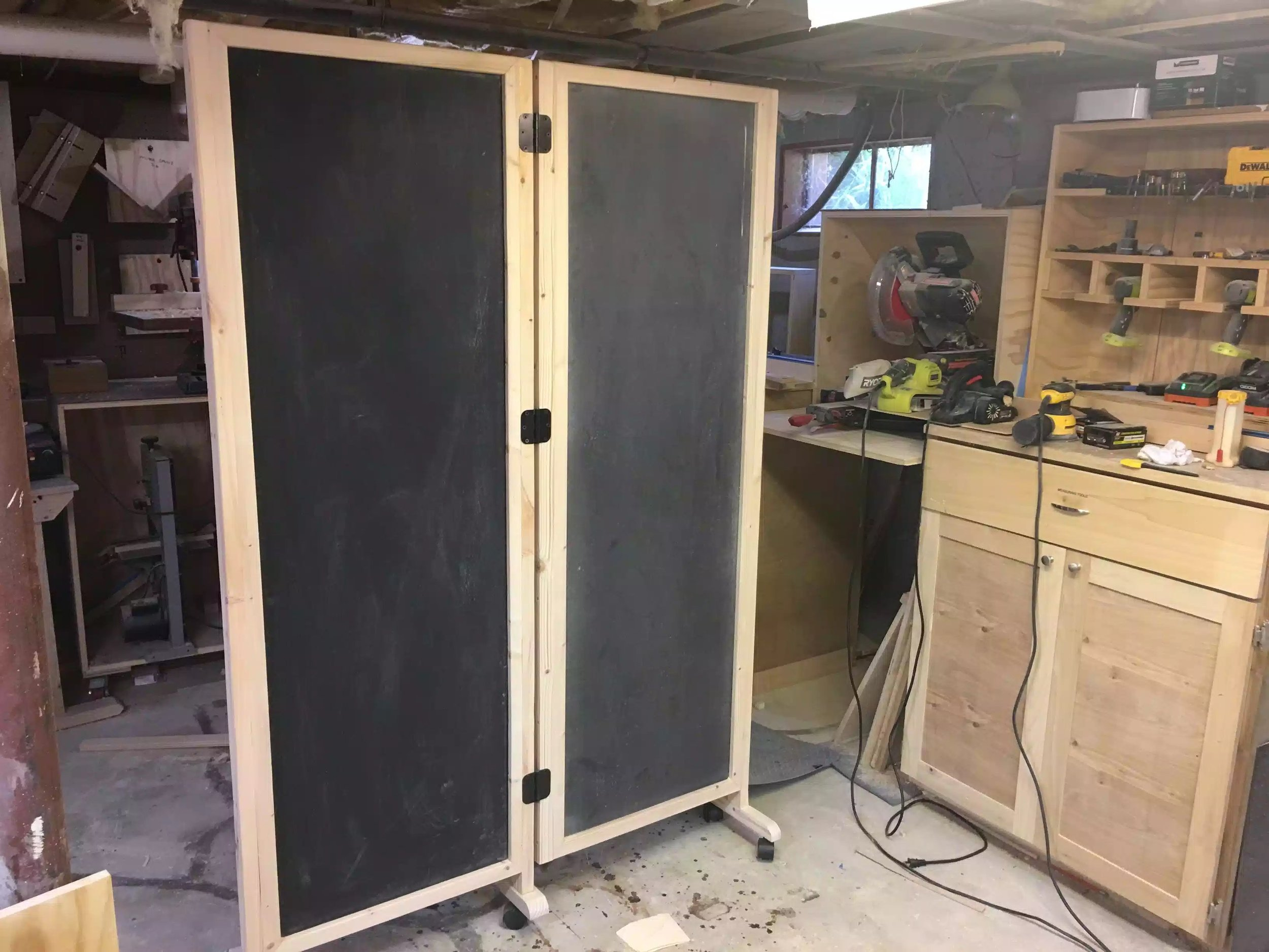 All hinges attached and we have a function divider.
