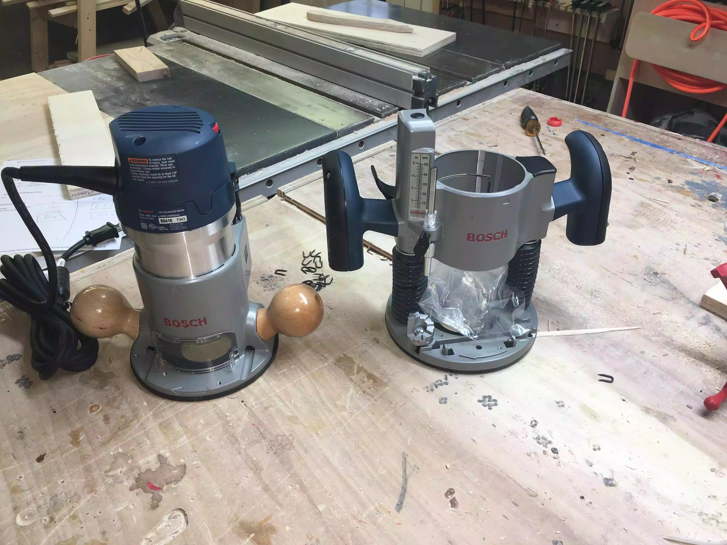 It has a very powerful 2 .25 HP motor, and I love the wooden handles, the kit came with a fixed and plunge base