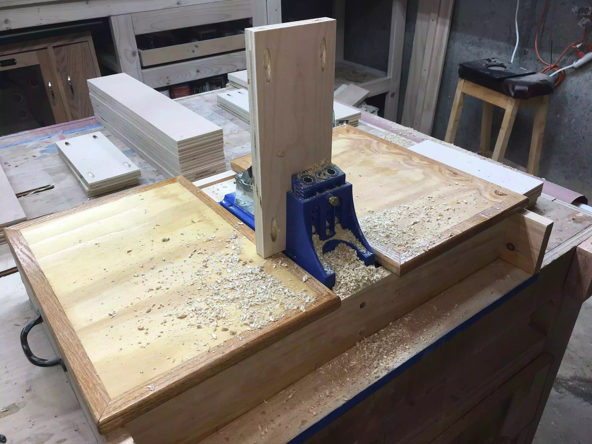 Here is the Kreg Pocket hole jig in action, I didnt bother setting up my dust collection on this