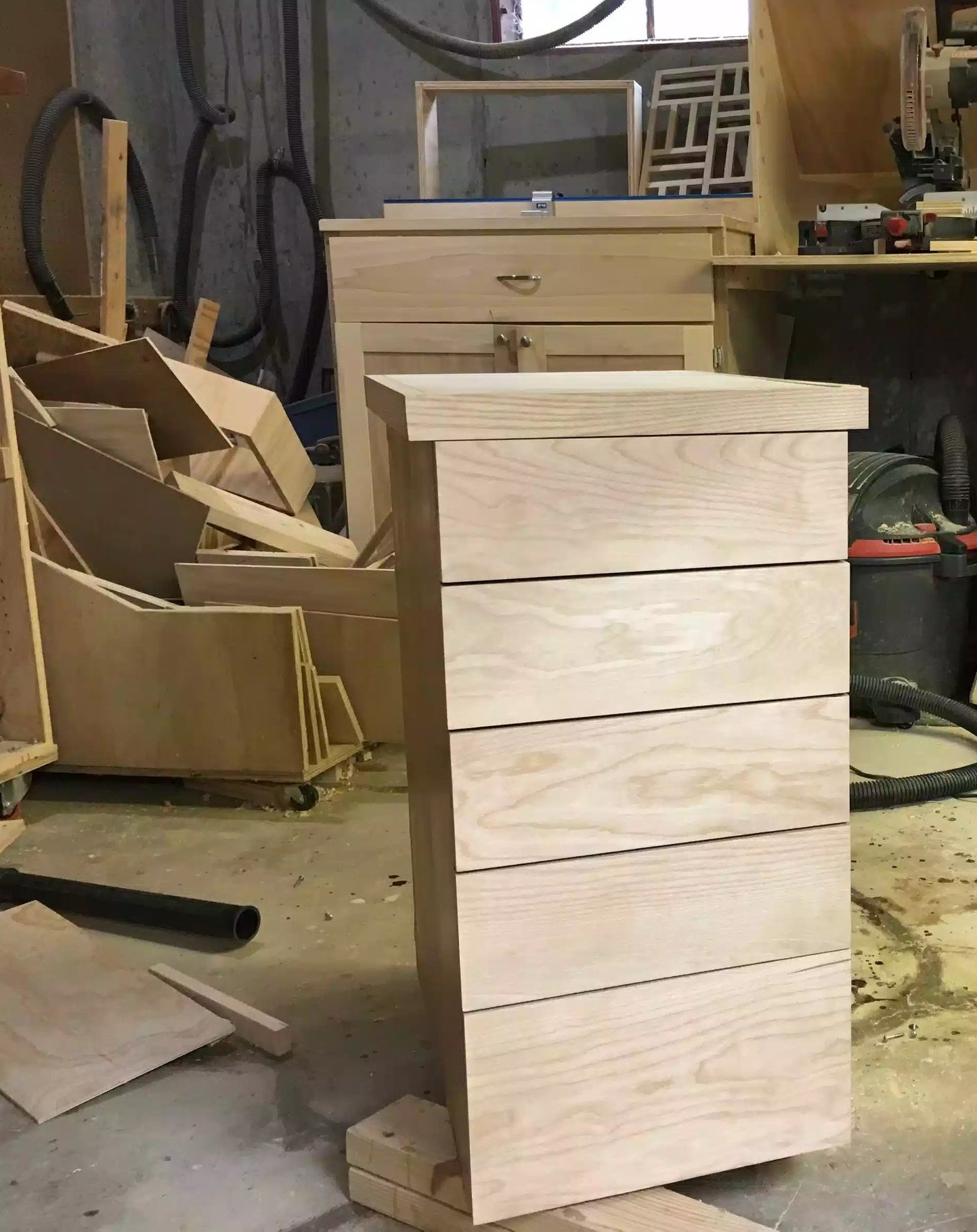 Here you can see the front of my cabinet, I love how the grain runs from top to bottom on the false fronts.