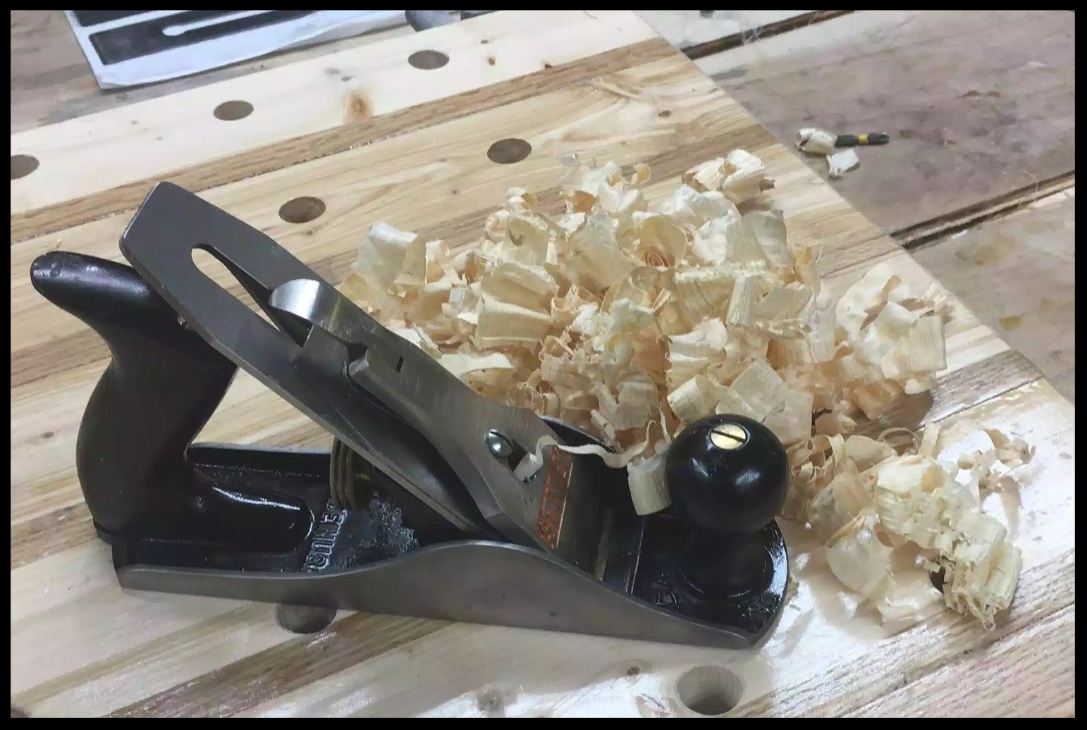 AFTER: Stanley # 4 Bailey Hand plane all restored, as you can see by the shavings I got uniformed thickness and full length shavings