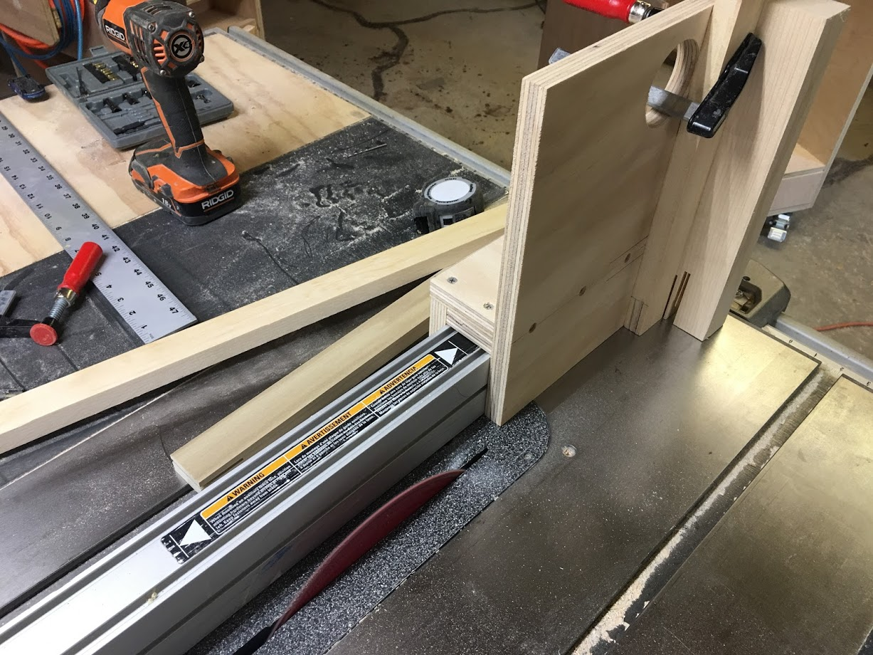 Here is the front of the tenoning jig, its basically an auxiliary fence that supports a tall work piece and rides along you table saw rip fence,