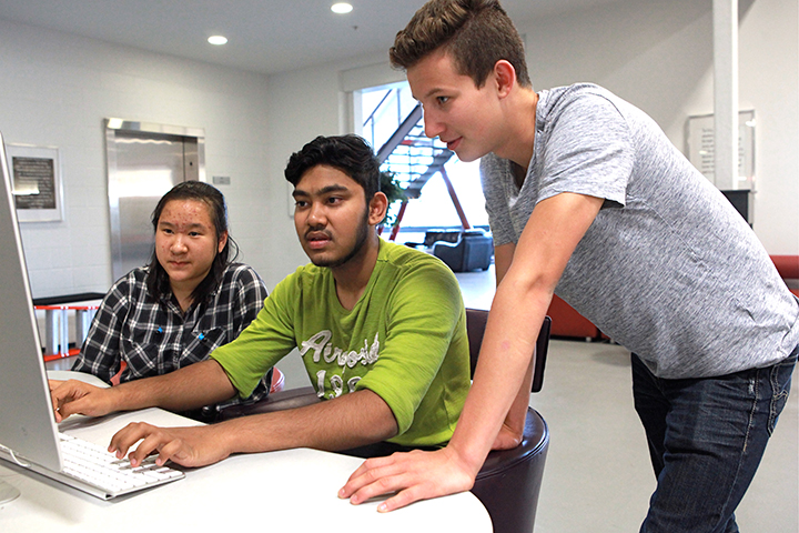 20170901-students-join-cbe-it-team-for-summer-work-experience-1.jpg