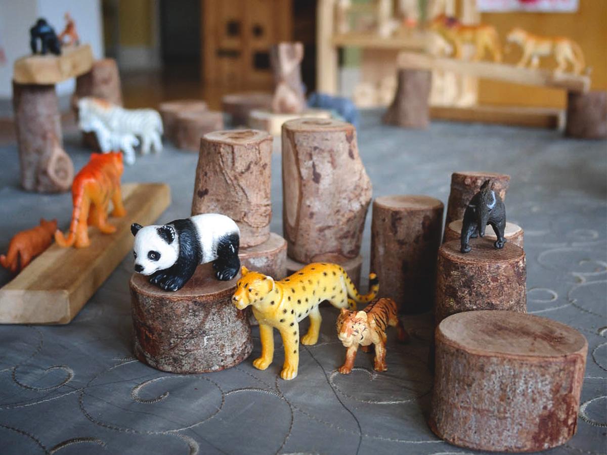 Rosemont Nursery Animal & Log slices (1 of 1).JPG