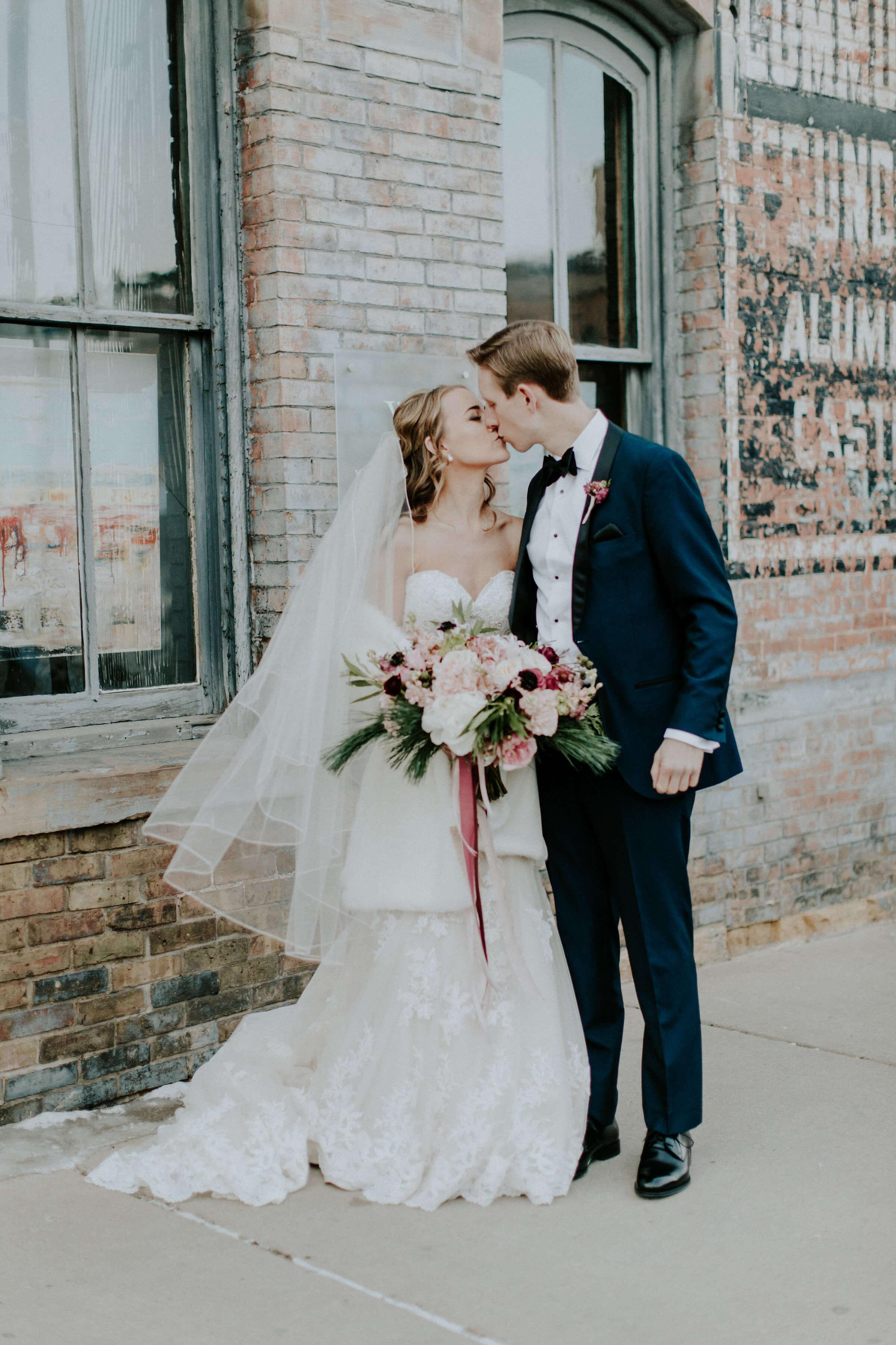 Kim+Greg_Jordan_Wedding_Aria_Russell_Heeter_Photography-164.jpg