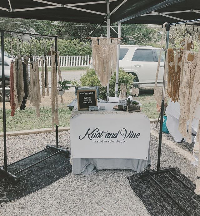 It was a gorgeous day @commonwealthbrewco on Saturday (until the rain hit us hard) but a fun and rewarding day regardless!  Met some amazing other local artists and just people in general - cheers to another successful event! 🥂