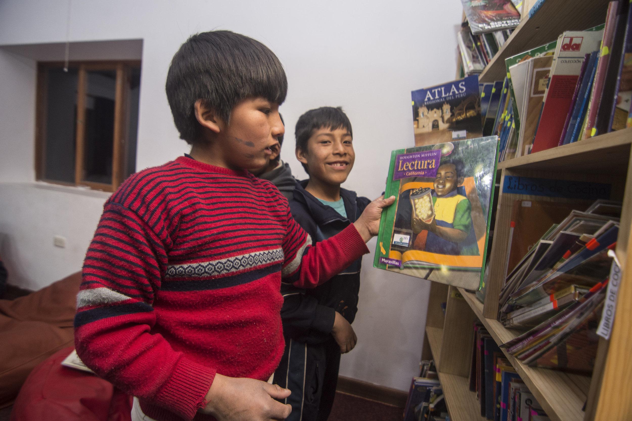 Juan Pablo and David take part in Libro Abierto.