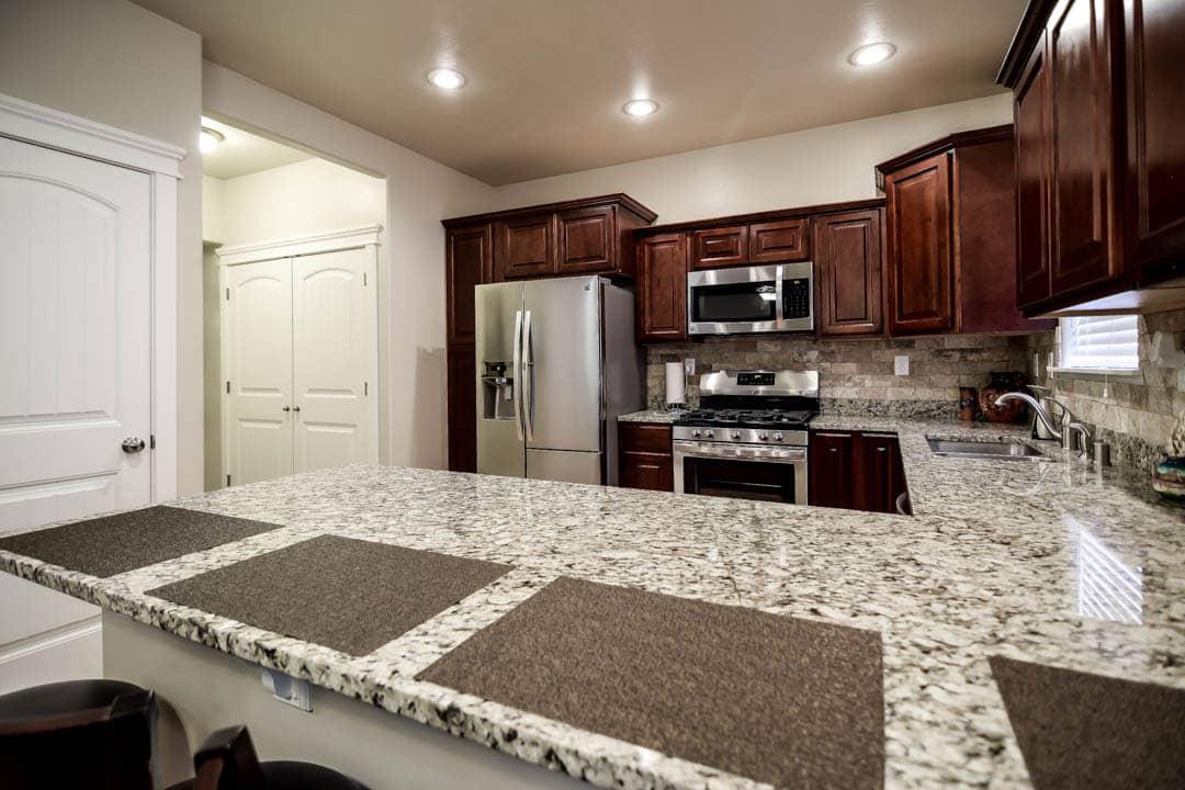Kitchen-min (1).jpg