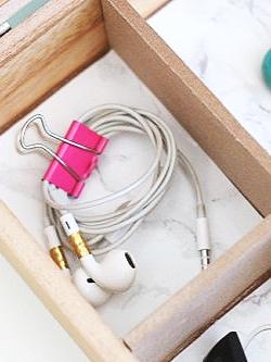 Detangle Headphones / Earphones - Use a Binder Clip to Keep Them Organized