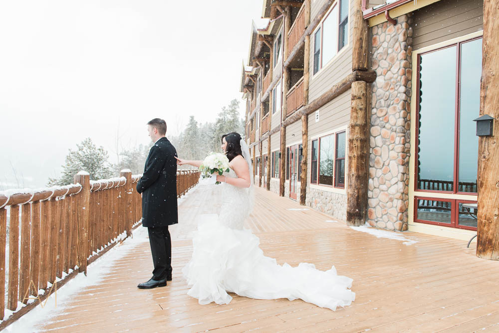 AshleighMillerPhotography-FirstLook-Colorado-Weddings-1962.jpg
