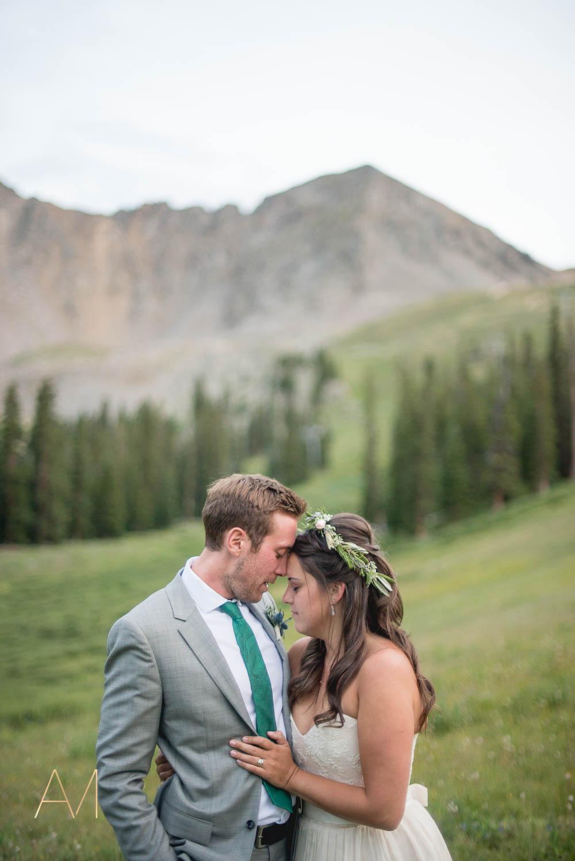 AshleighMillerWeddings-MadeleineAaron-Wedding-ArapahoeBasin-Colorado-5080.jpg