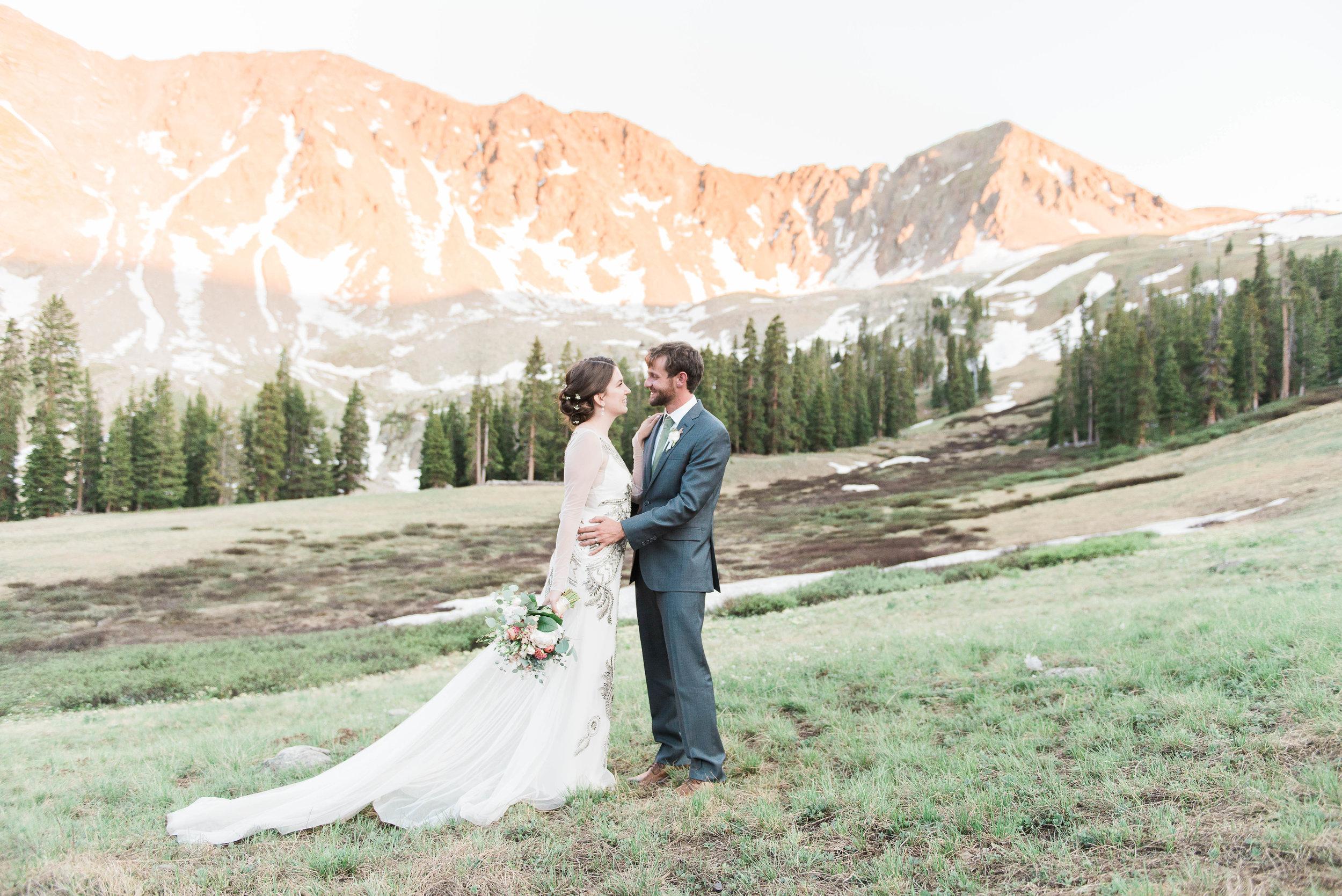 AshleighMillerWeddings-MichelleAllen-ArapahoeBasin-Colorado-4630.jpg