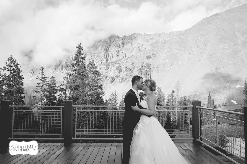 ash2-3365-AMW-KelseySean-Wedding-Blog-h-2.jpg