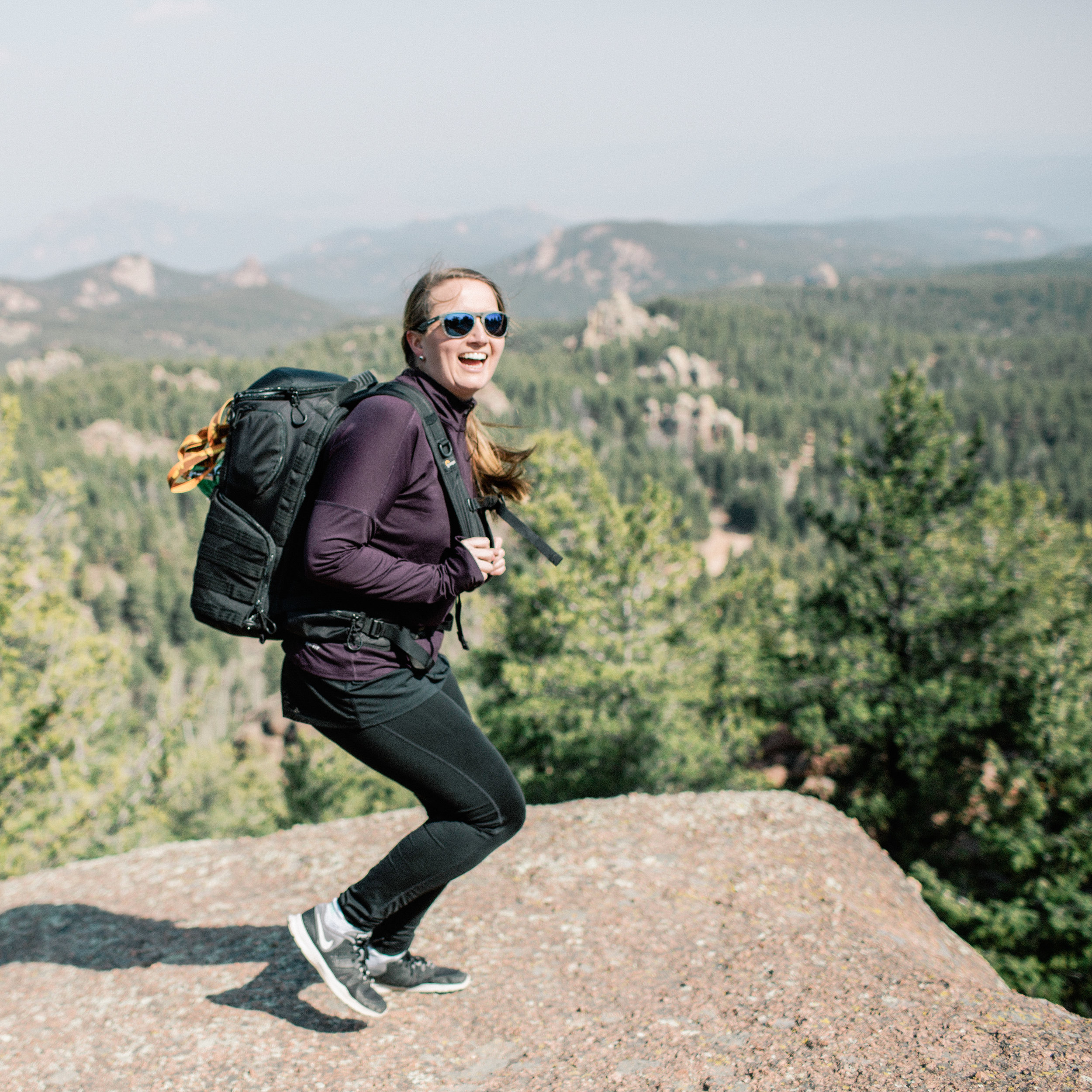 let's hike to The best elopementvenue. -