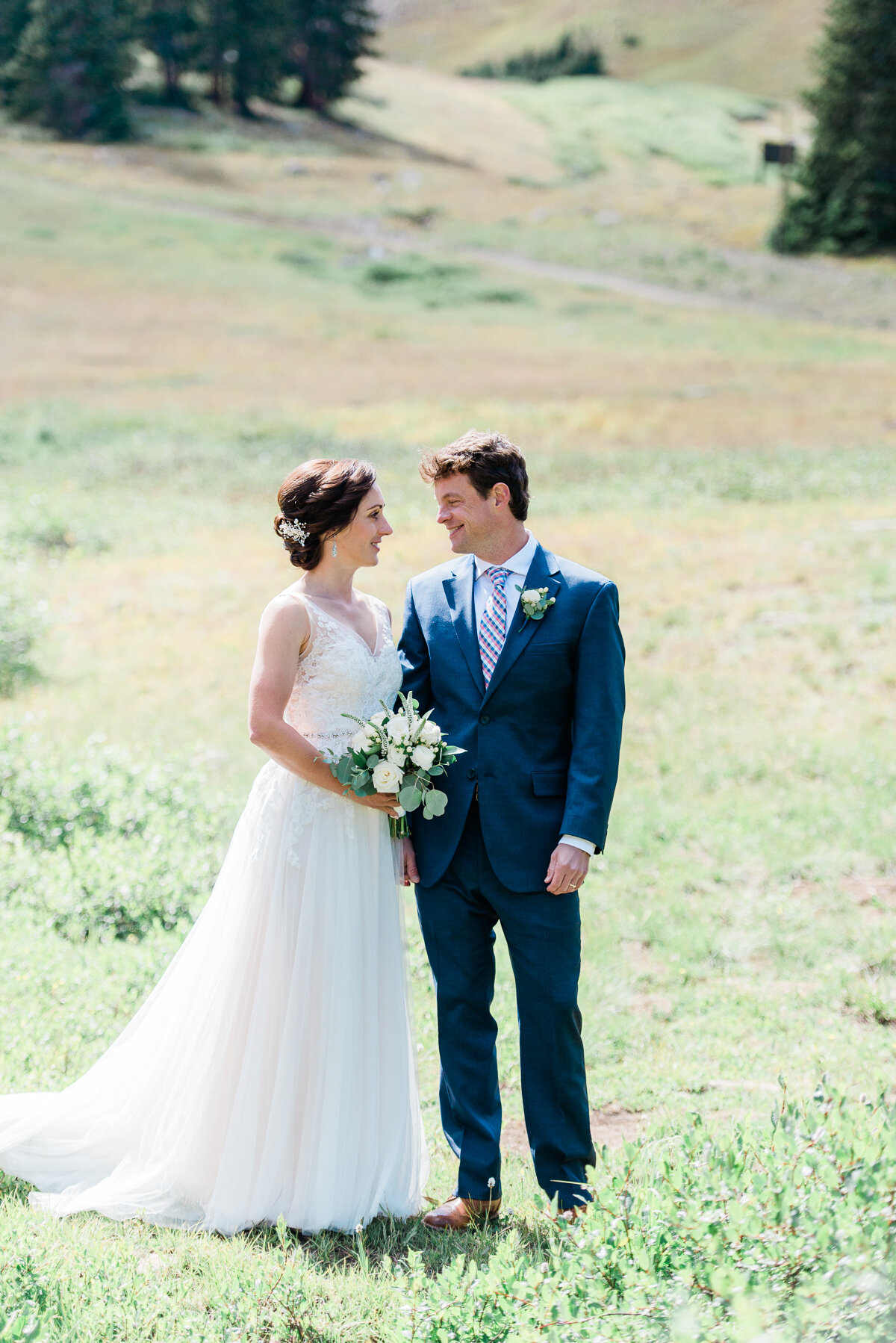 AshleighMillerPhotography-Wedding-Natalia-Matt-ArapahoeBasin-Colorado-2.jpg