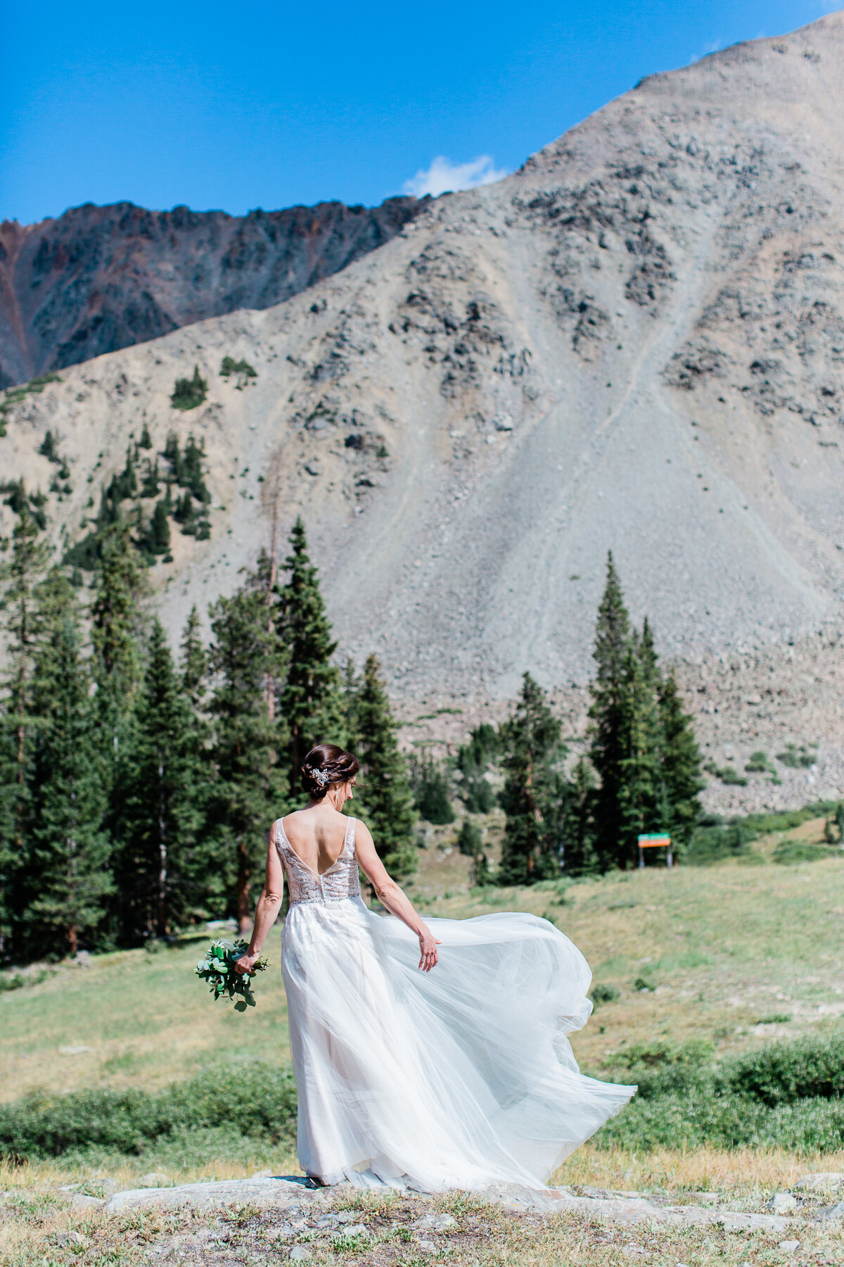 AshleighMillerPhotography-Wedding-Natalia-Matt-ArapahoeBasin-Colorado-18.jpg