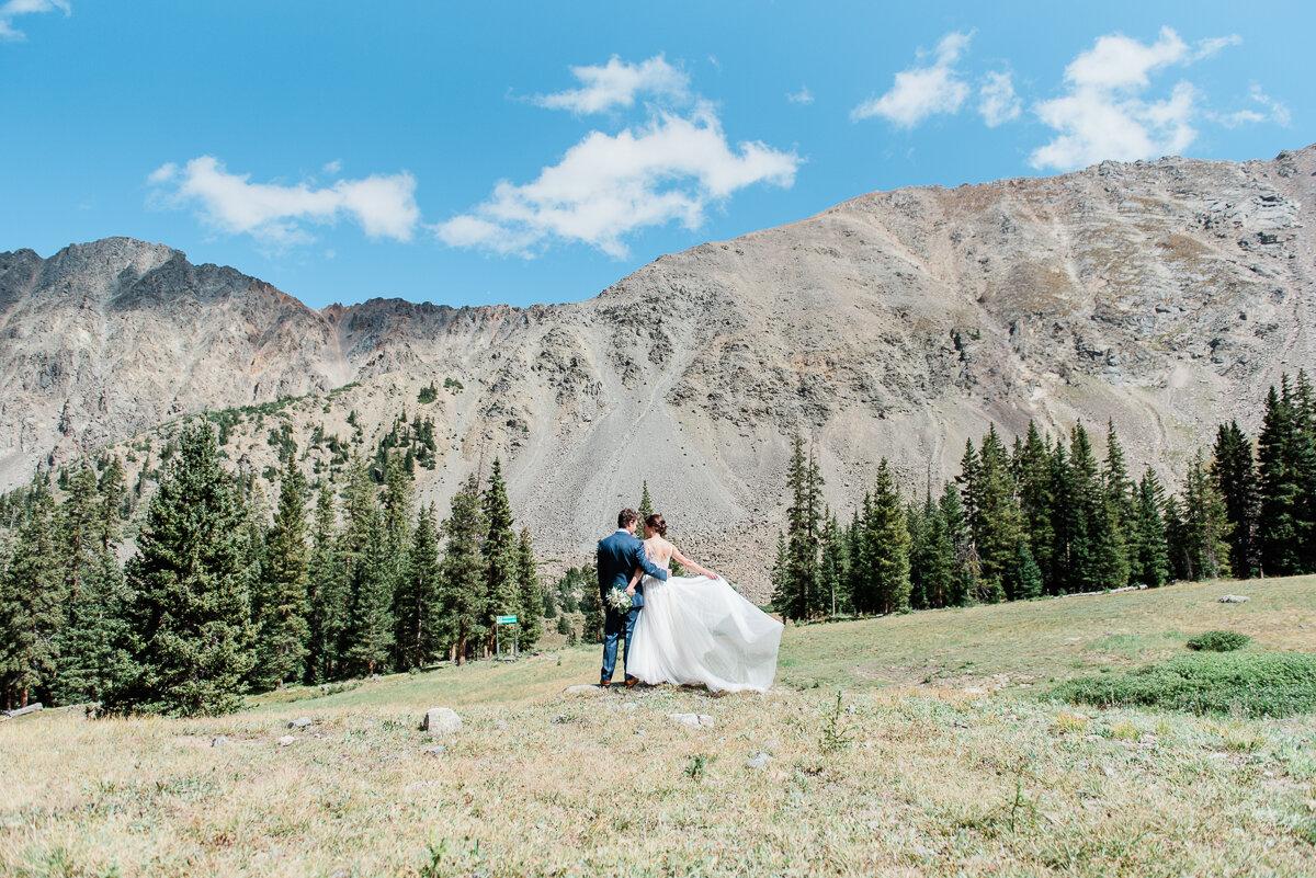 AshleighMillerPhotography-Wedding-Natalia-Matt-ArapahoeBasin-Colorado-19.jpg