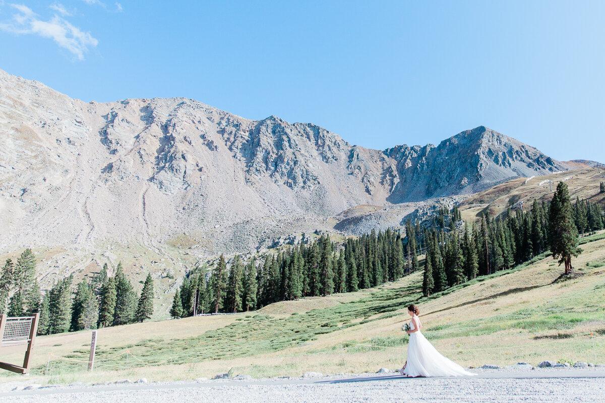 AshleighMillerPhotography-Wedding-Natalia-Matt-ArapahoeBasin-Colorado-25.jpg