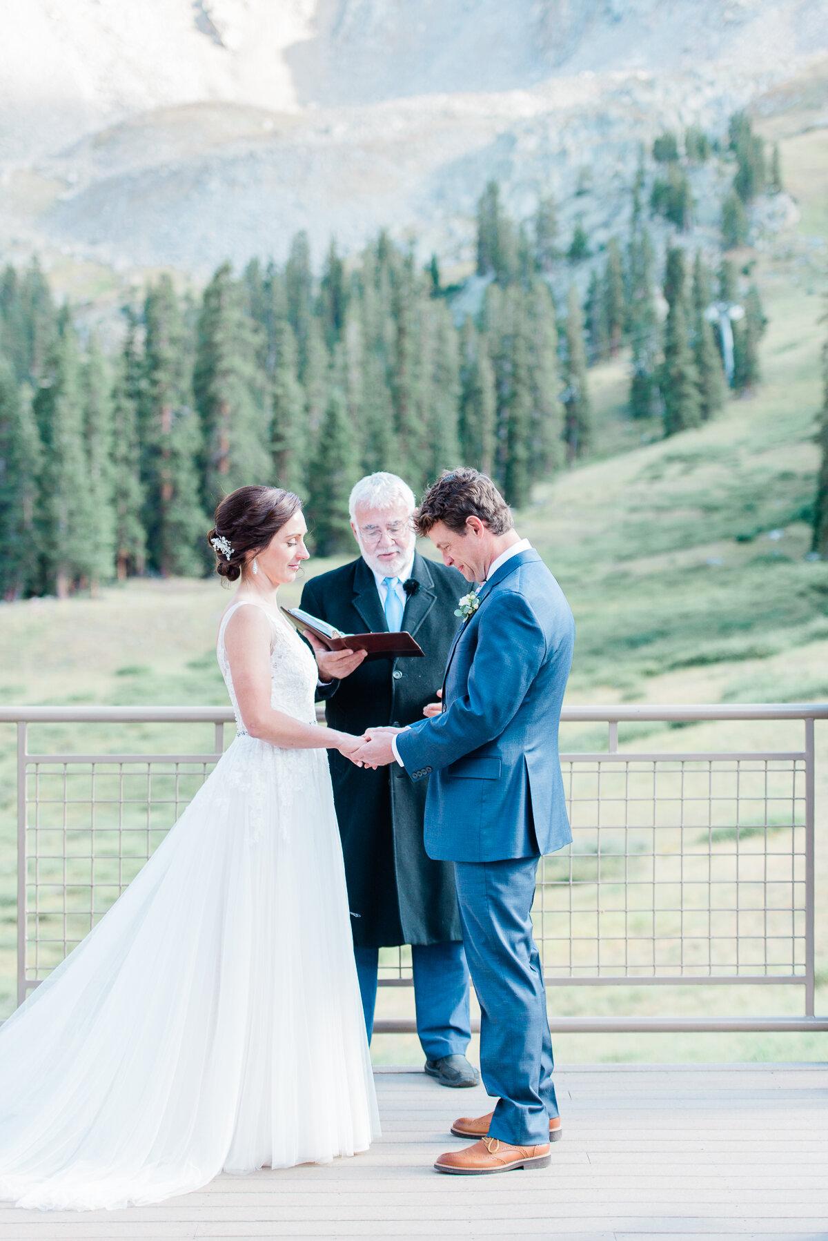 AshleighMillerPhotography-Wedding-Natalia-Matt-ArapahoeBasin-Colorado-27.jpg