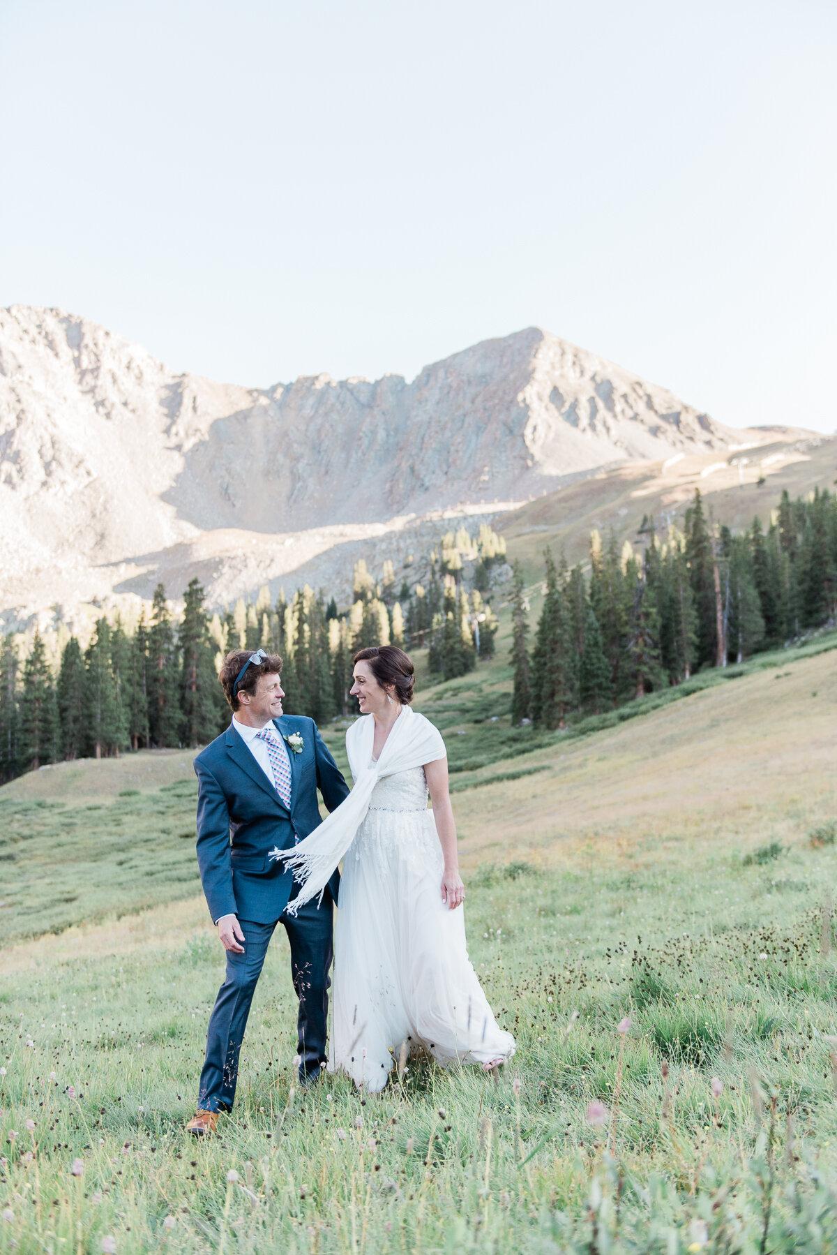 AshleighMillerPhotography-Wedding-Natalia-Matt-ArapahoeBasin-Colorado-34.jpg