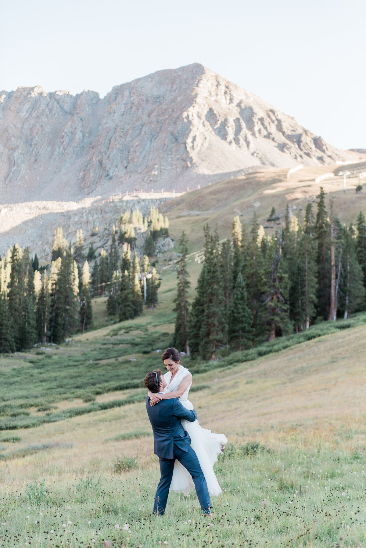 AshleighMillerPhotography-Wedding-Natalia-Matt-ArapahoeBasin-Colorado-36.jpg