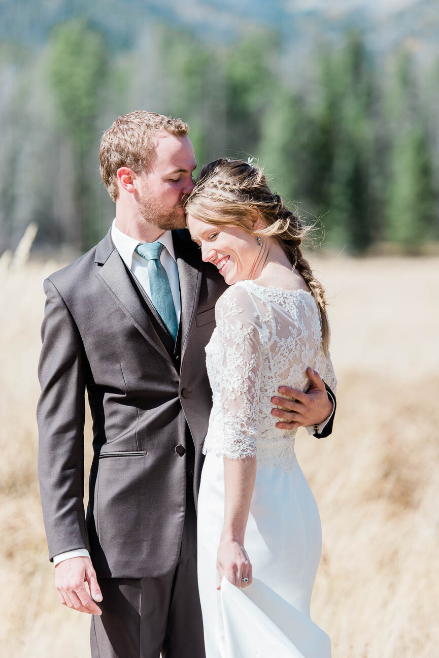 AshleighMillerPhotography-Wedding-BeccaWeston-WindingRiverRanch-GrandLake-Colorado-13.jpg
