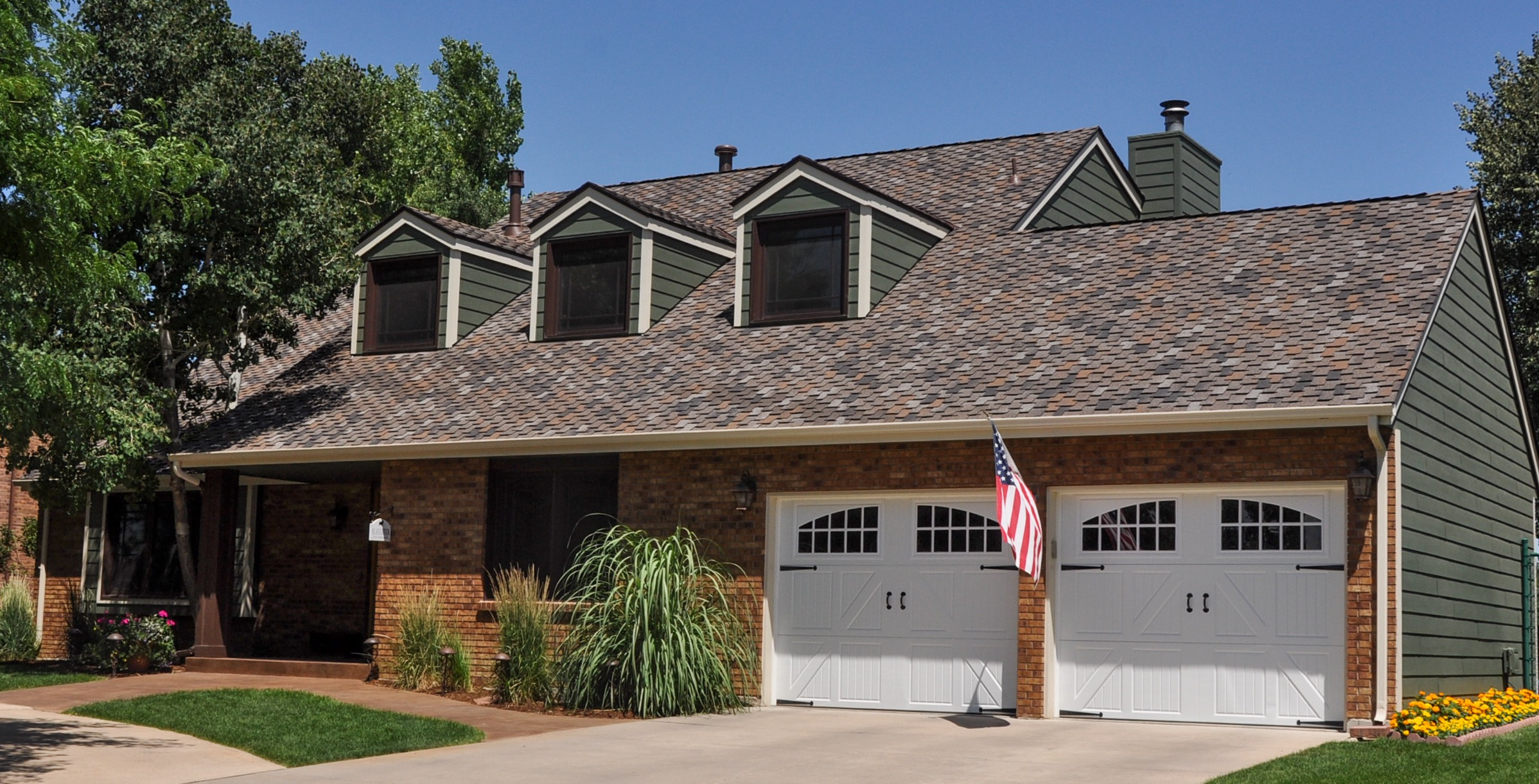 Owens Corning Woodcrest Autumn Maple